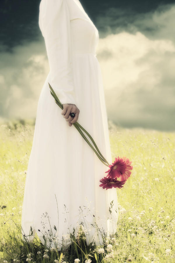Female Photograph - Flowers by Joana Kruse