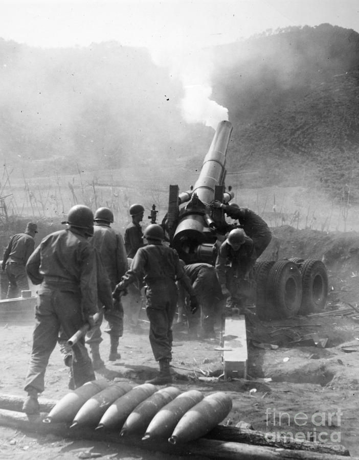 Korean War: Artillery Photograph  - Korean War: Artillery Fine Art Print