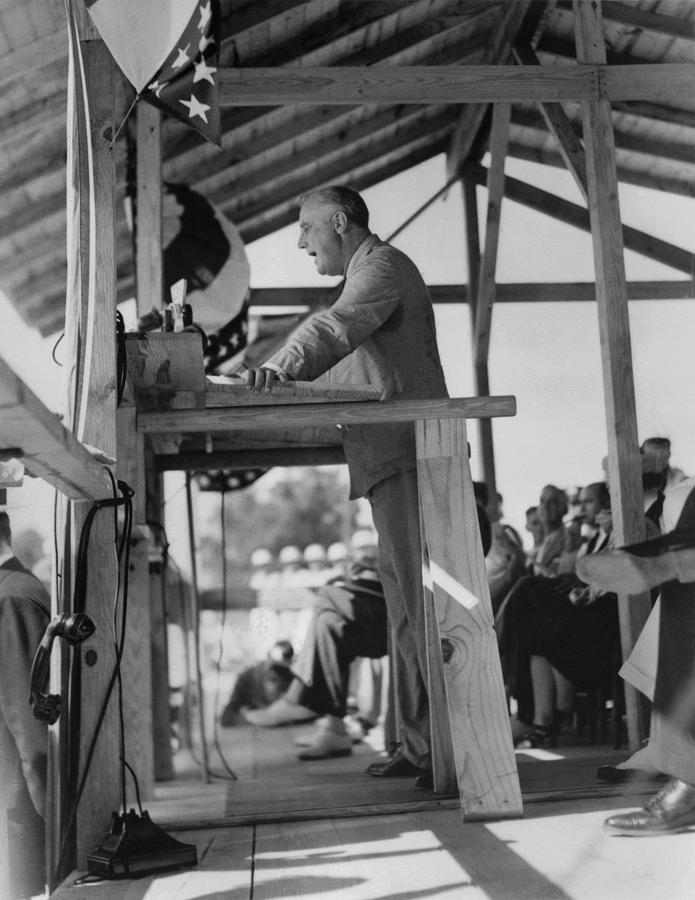 History Photograph - President Franklin Roosevelt by Everett
