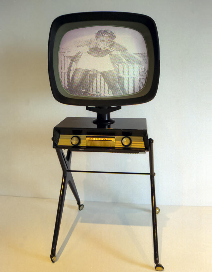 Retro Tv Photograph  - Retro Tv Fine Art Print