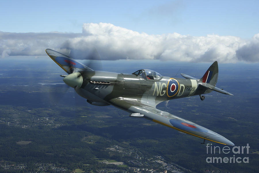 Supermarine Spitfire Mk.xvi Fighter Photograph