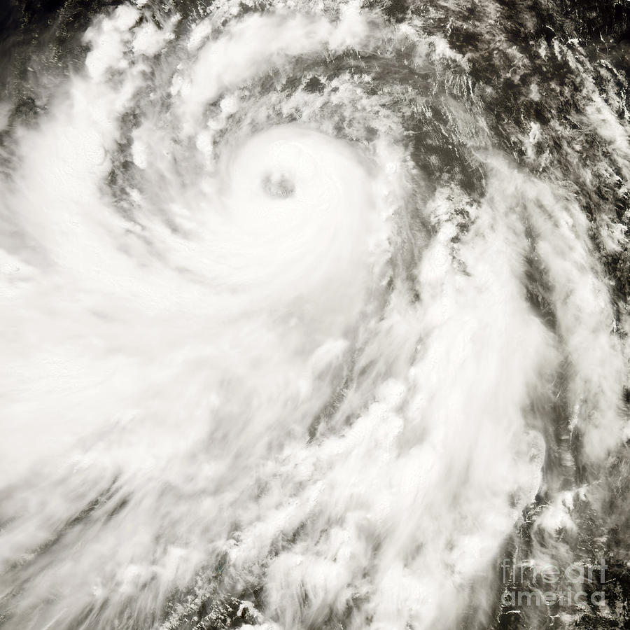 Typhoon Man-yi Photograph