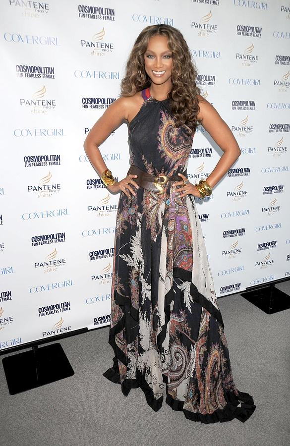 Cosmopolitan''s Fun Fearless Phenom Awards Photograph - Tyra Banks At Arrivals by Everett