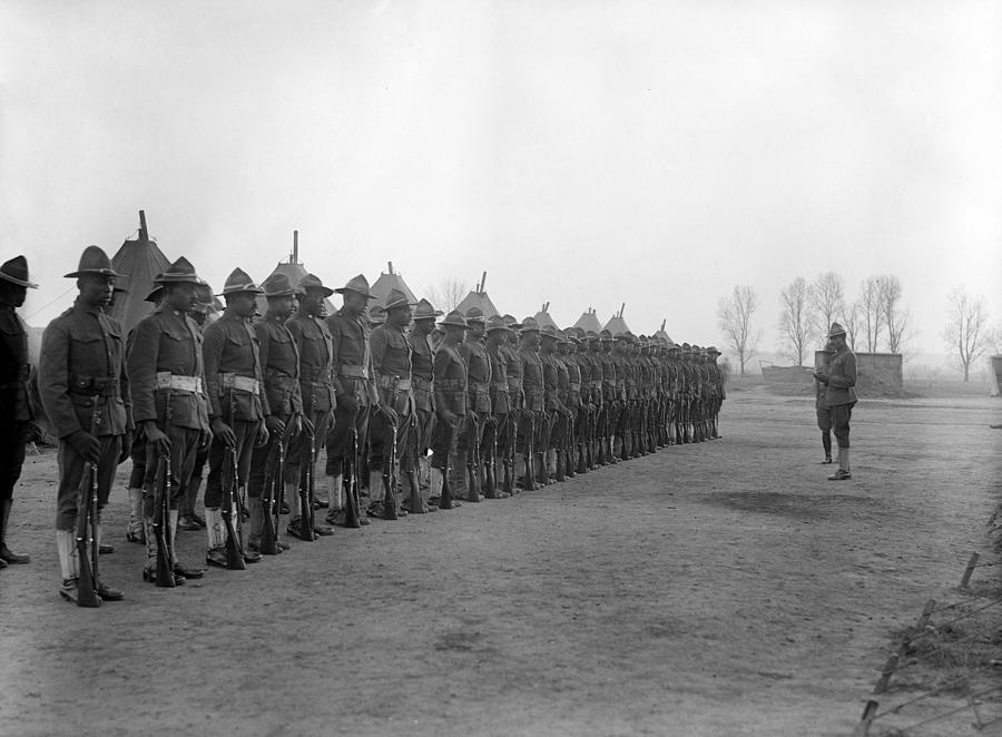 1910s Photograph - U.s. Army, African American Soldiers by Everett