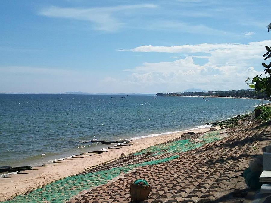 Vietnam. Beach  Photograph