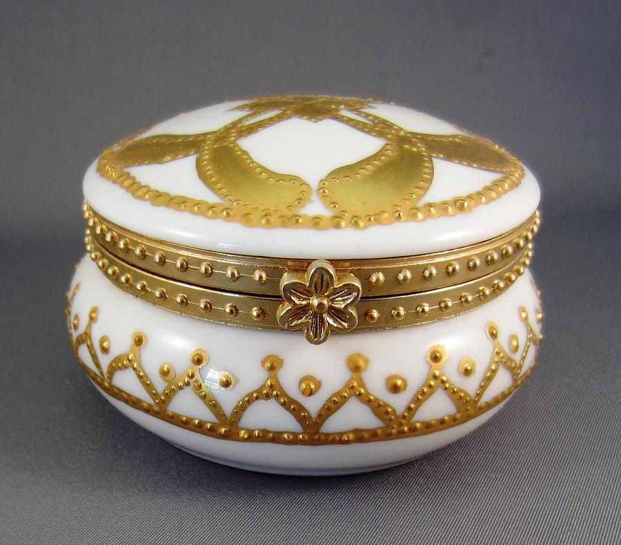 214 Mirror-box Raised Paste Gold Ceramic Art