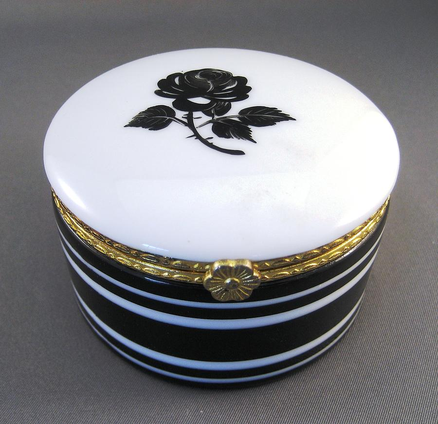 215 Hinged Box Black Rose Ceramic Art