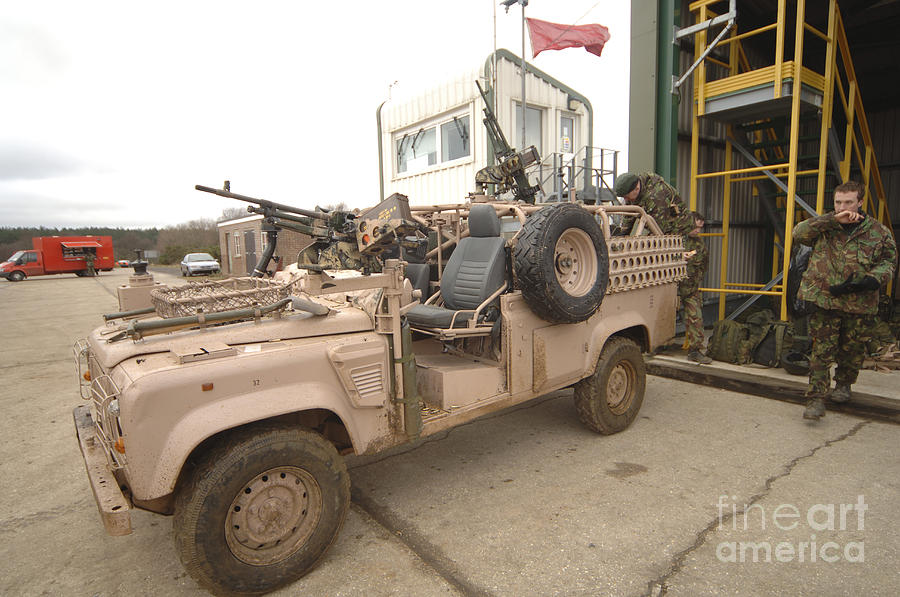 http://images.fineartamerica.com/images-medium-large/3-a-pink-panther-land-rover-andrew-chittock.jpg