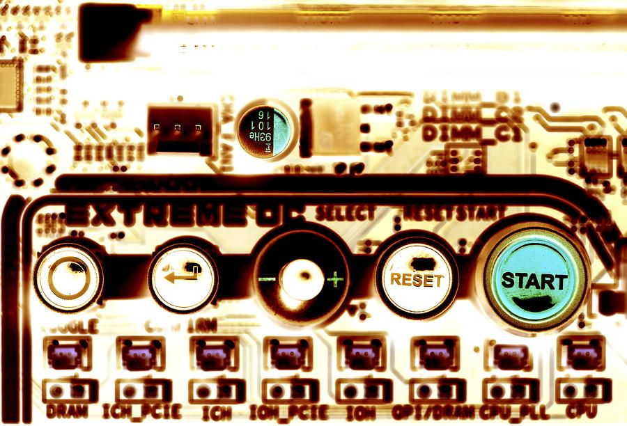 Circuit Board Photograph - Computer Circuit Board by Pasieka