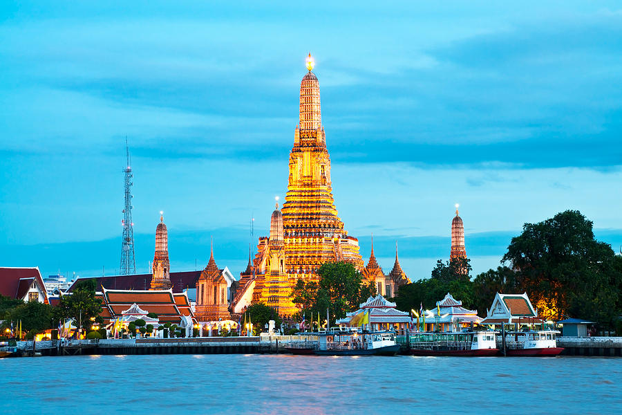 Wat Arun Bangkok Thailand Photograph by Warrunee Kaewjunchai