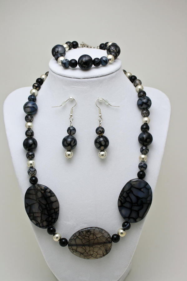3548 Cracked Agate Necklace Bracelet And Earrings Set Jewelry