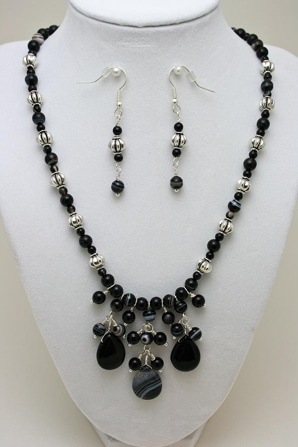 3601 Black Banded Onyx Necklace And Earrings Jewelry
