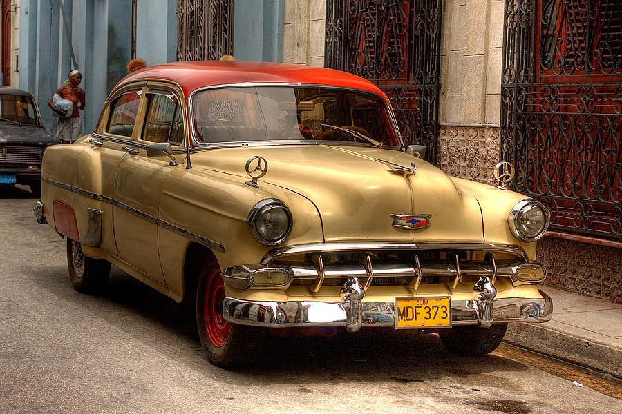 Old Car Tour In Cuba
