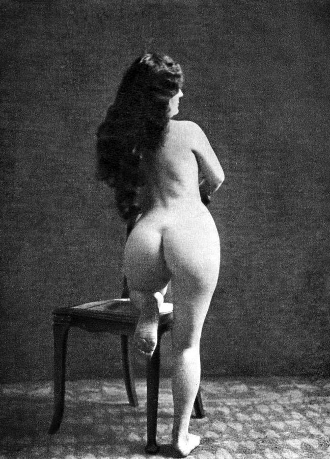 Nude Posing 86