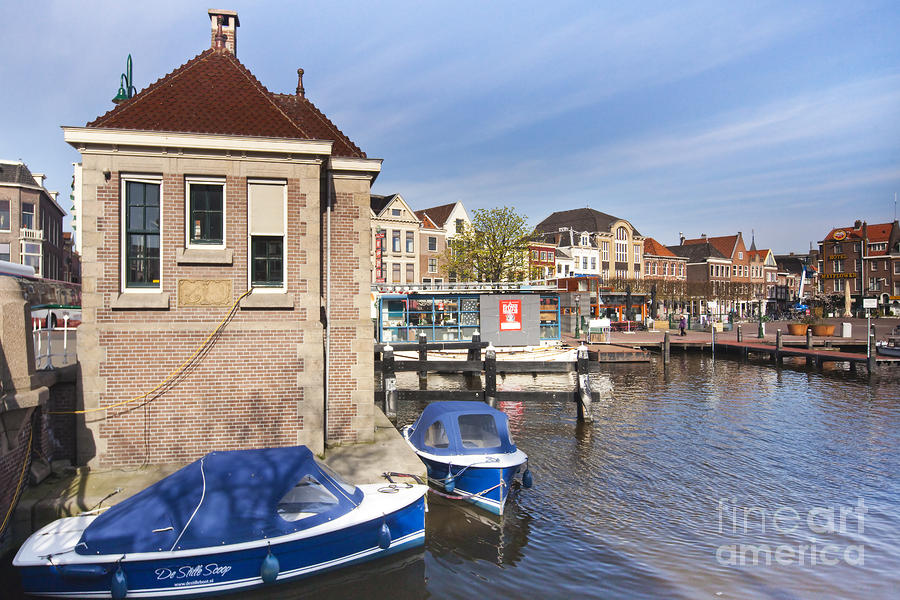 Leiden Photograph