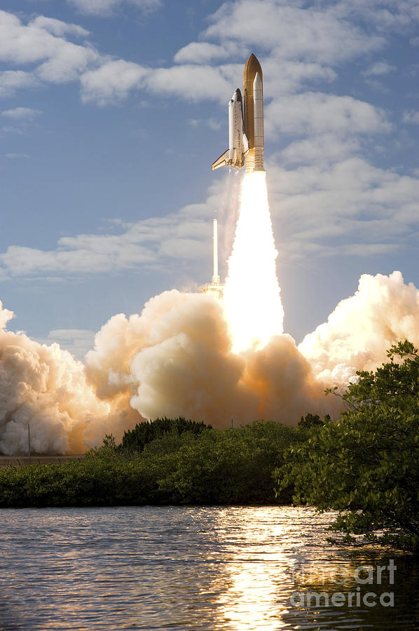 Space Shuttle Atlantis Lifts Photograph