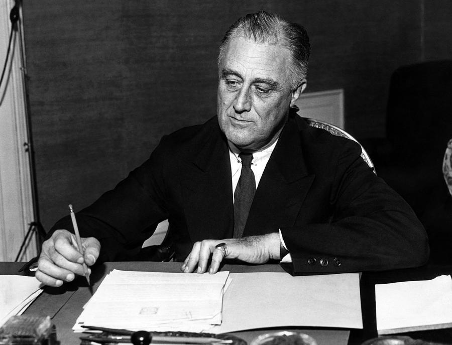 """president franklin d roosevelt liberal and president herbe Bidoun sat down with  included afl president samuel  government-private commission on latin america"""" by then-president franklin d roosevelt."""