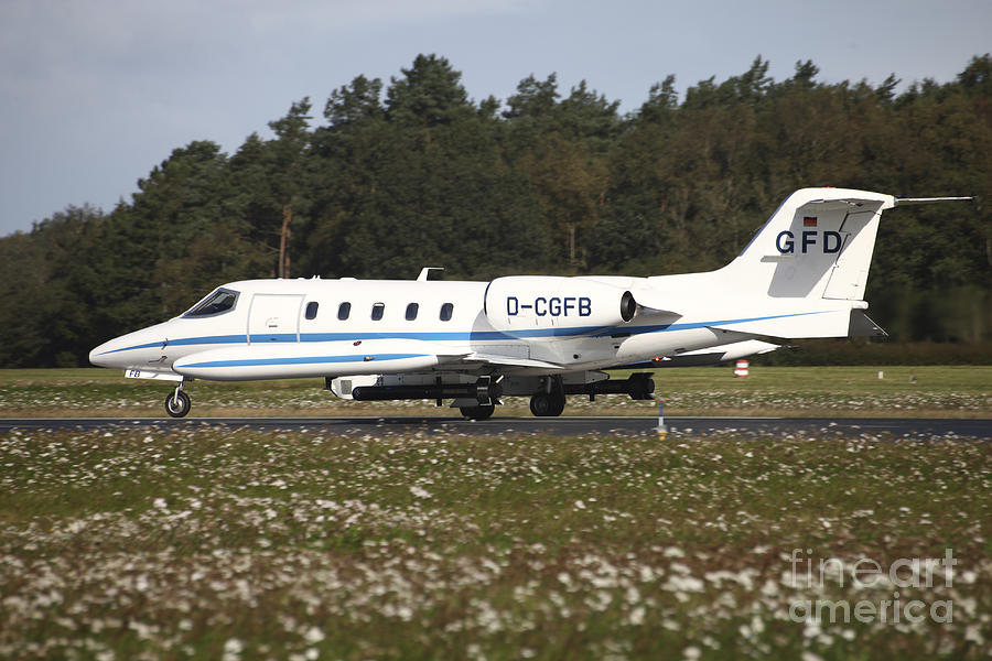 A Learjet Of Gfd With Electronic Photograph