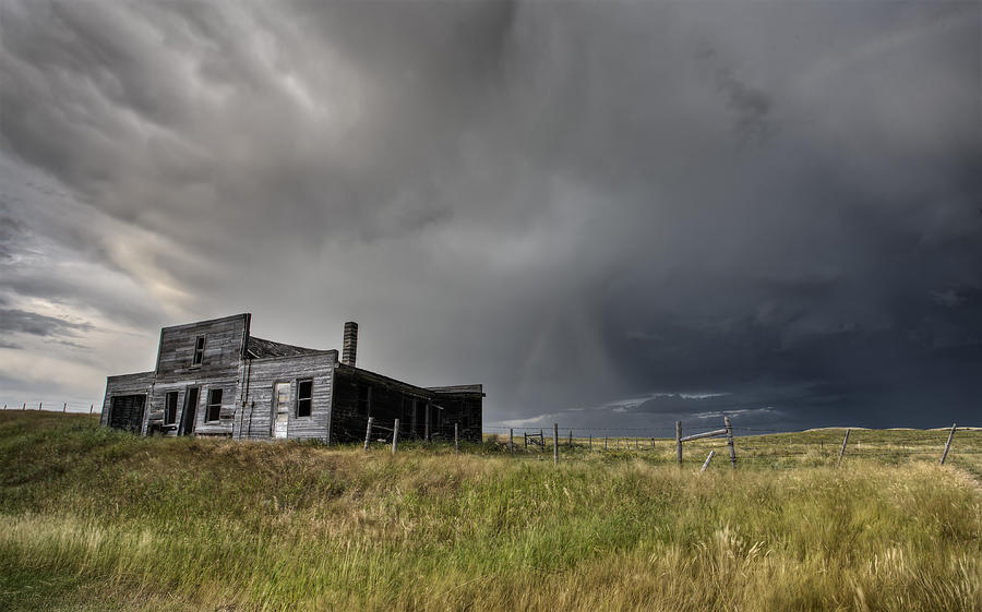 Abandoned Digital Art - Abandoned Farmhouse Saskatchewan Canada by Mark Duffy