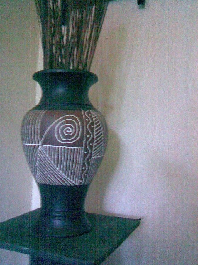 African pot with motif designs painting by ochieng for Big pot painting designs