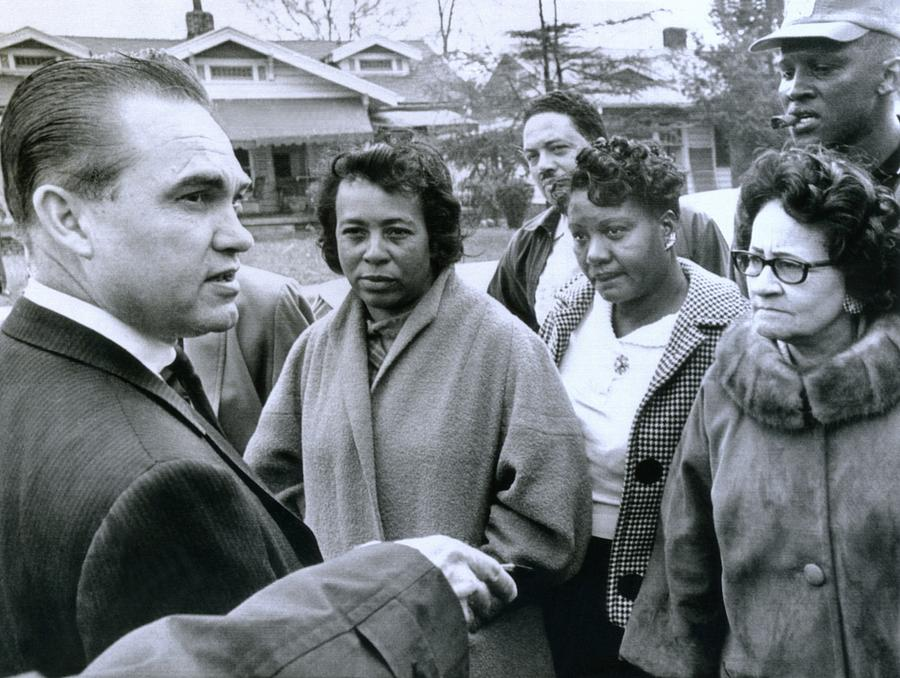 Alabama Gov. George Wallace Talks Photograph