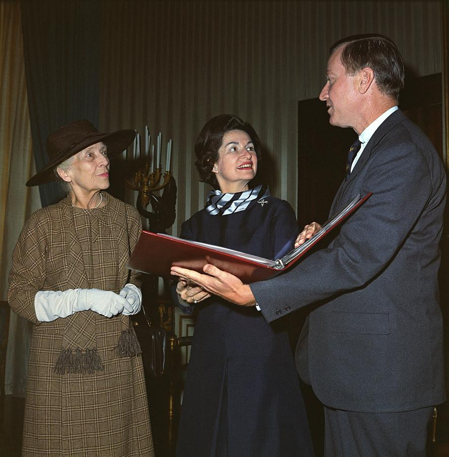 Alice Roosevelt Longworth Returns Photograph