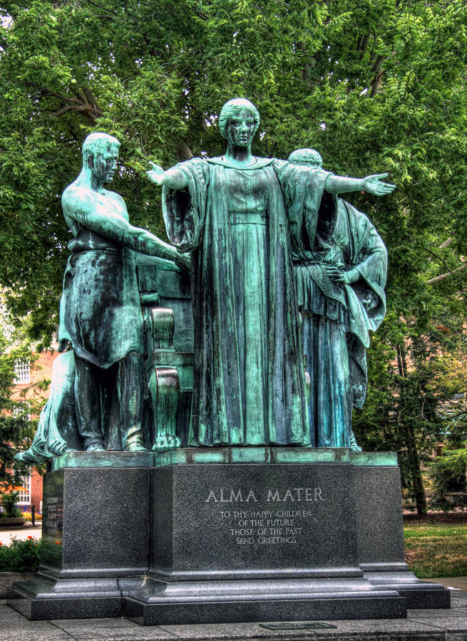 The Alma Mater Statue at University of Illinois Takes a ...