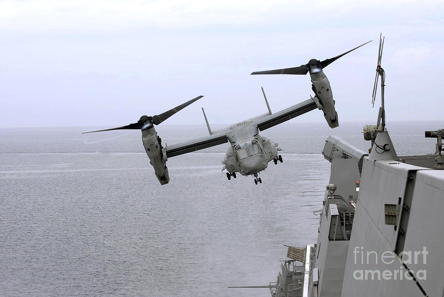 An Mv-22b Osprey Takes Photograph  - An Mv-22b Osprey Takes Fine Art Print