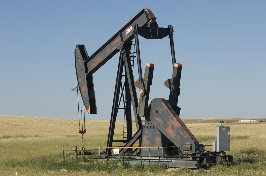derrick Hustler zit oil