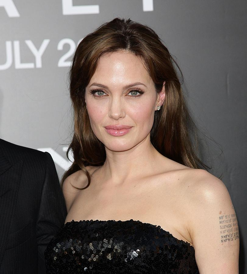 Angelina Jolie Photograph - Angelina Jolie At Arrivals For Salt by Everett