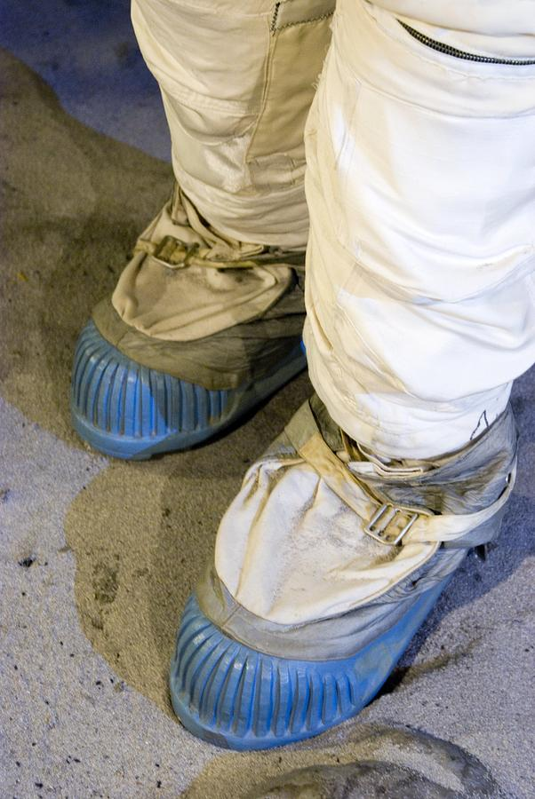 moon boots for astronauts - photo #10
