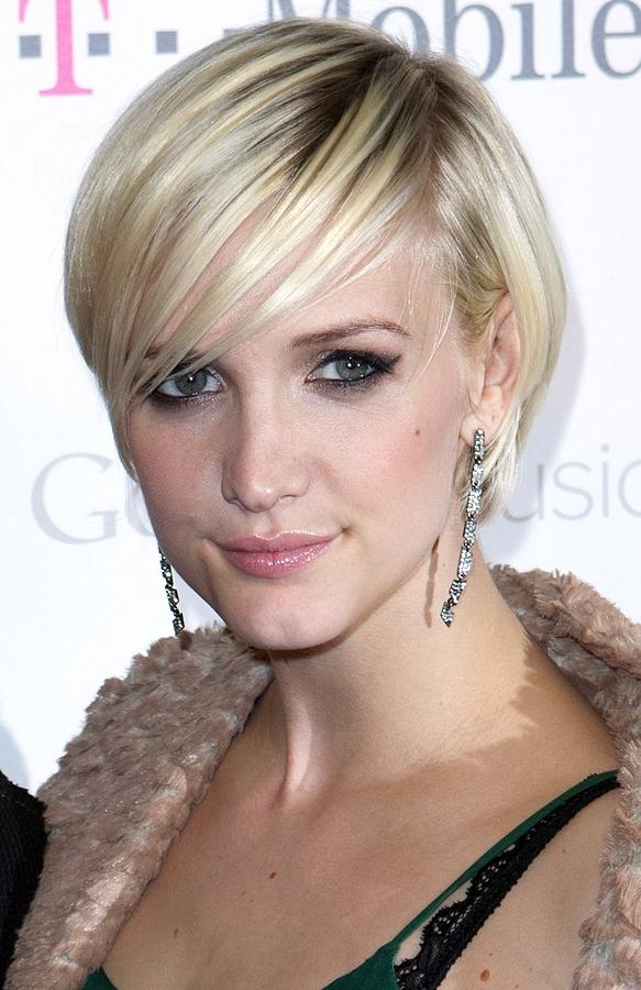 Ashlee Simpson At Arrivals For T-mobile Photograph
