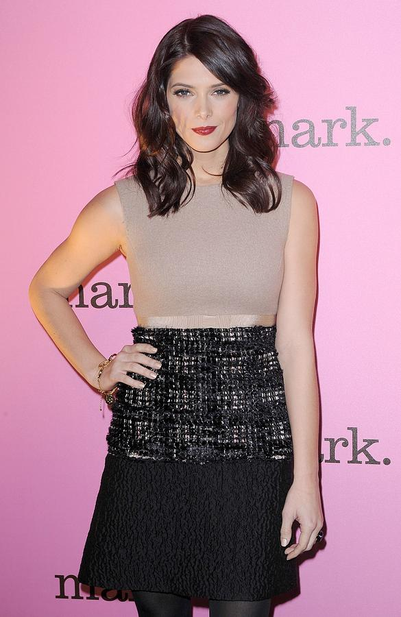 Ashley Greene Wearing A Giambattista Photograph  - Ashley Greene Wearing A Giambattista Fine Art Print