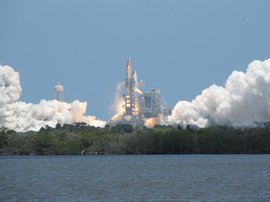 Atlantis Photograph - Atlantis Lift Off by Keith Stokes