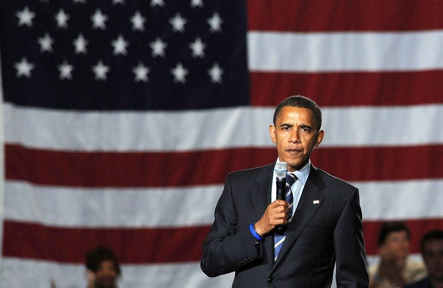 Barack Obama Campaign Fundraiser Photograph - Barack Obama At A Public Appearance by Everett