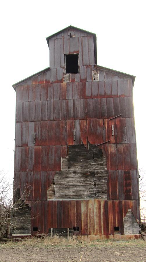 Red Barn Photograph - Barn 34 by Todd Sherlock