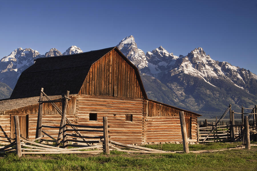 Barn In The Mountains Photograph