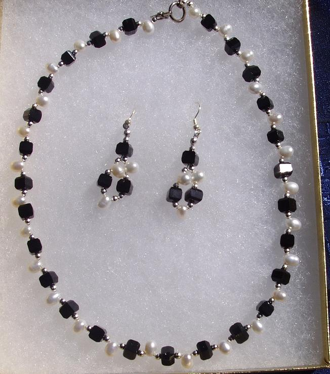 Black Glass  With Pearls And Plated Silver Beads In Necklace And Earrings Jewelry