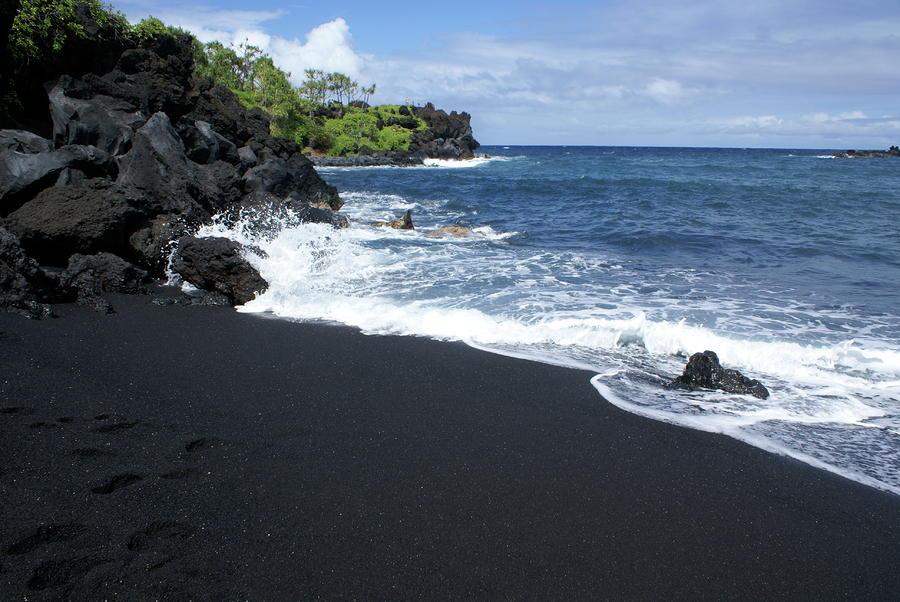 black sand beach by louie hooper