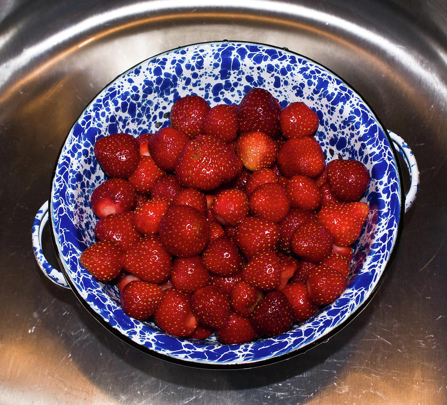 Bowl Of Strawberries 1 Photograph