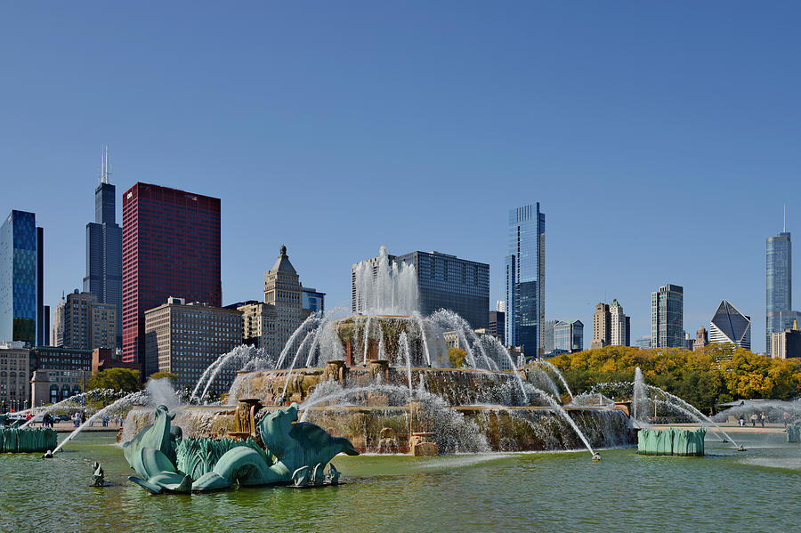 Clarence Photograph - Buckingham Fountain Chicago by Christine Till