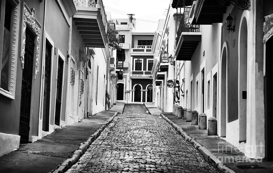 Calle De Guijarro Photograph