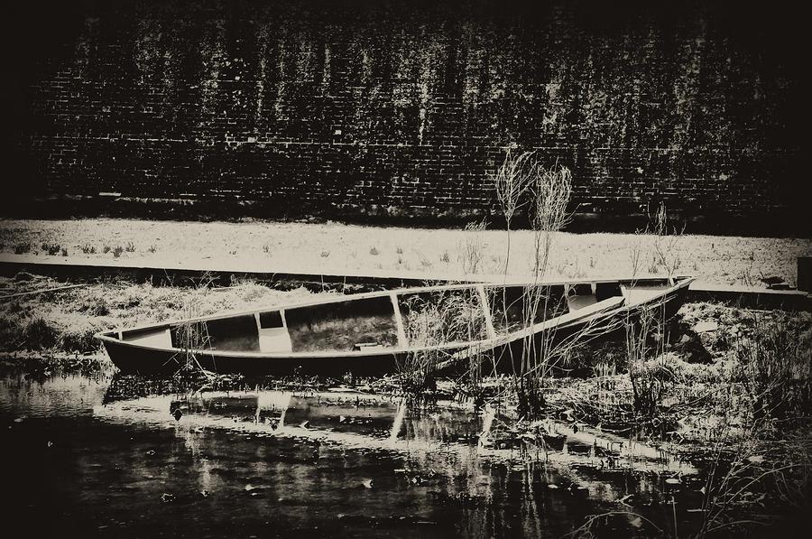 Canoe Photograph