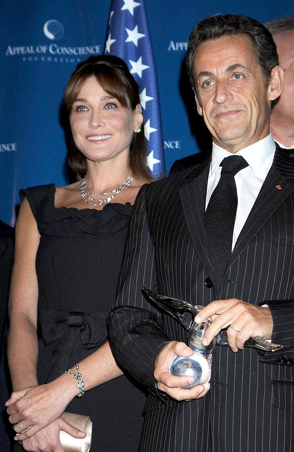 2008 World Statesman Award Ceremony Hosted By Appeal Of Conscien Photograph - Carla Bruni Sarkozy, Nicolas Sarkozy by Everett