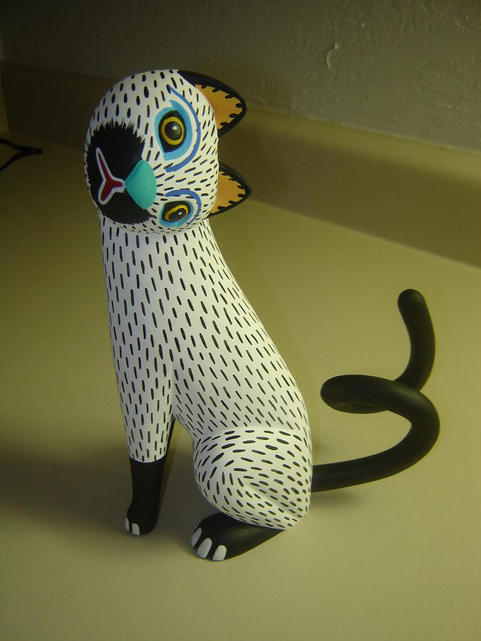 Handmade Carving Wood Sculpture - cat by Luis pablo