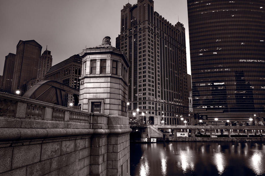 Chicago Photograph - Chicago River Bridgehouse by Steve Gadomski