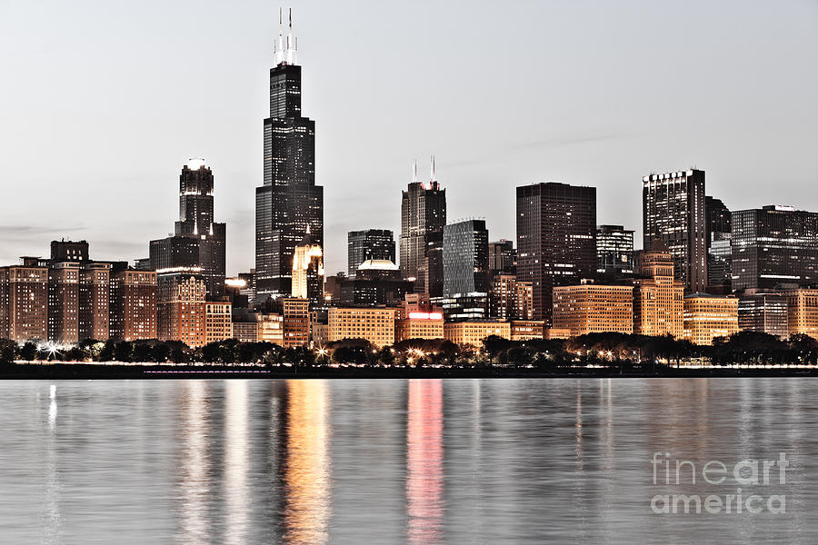 America Photograph - Chicago Skyline At Dusk Photo by Paul Velgos