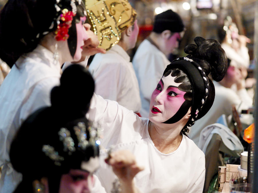 Chinese Opera Performers Prepare Photograph