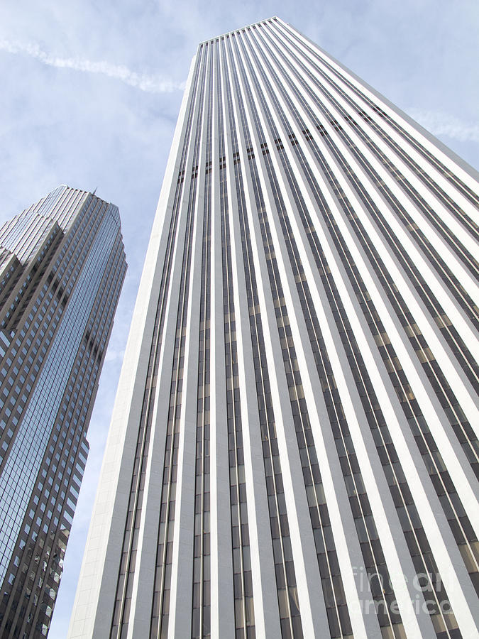 Chicagoland Photograph - Cloudscraper by Ann Horn
