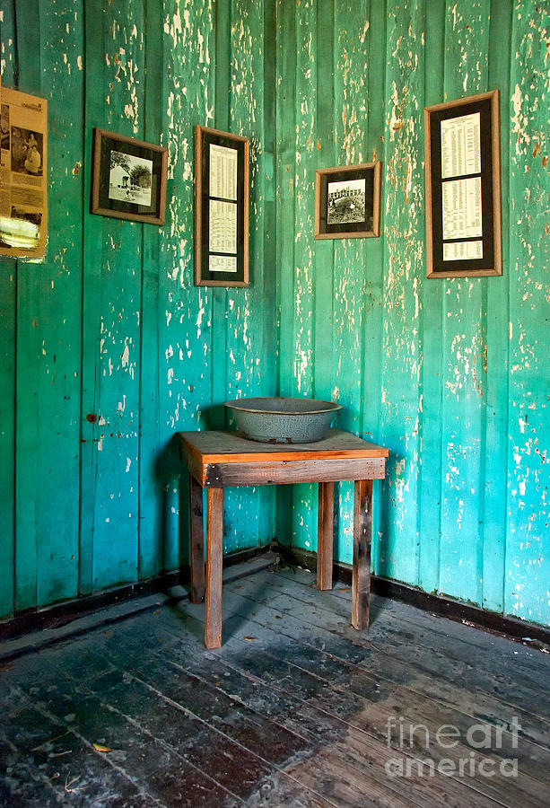Corner Of Slave Cabin At San Francisco Plantation Photograph